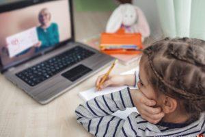 Pedagógusok az online oktatásról